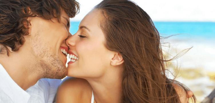 Beijo no carnaval: fique de olho nas possíveis doenças e riscos de infecções virais.